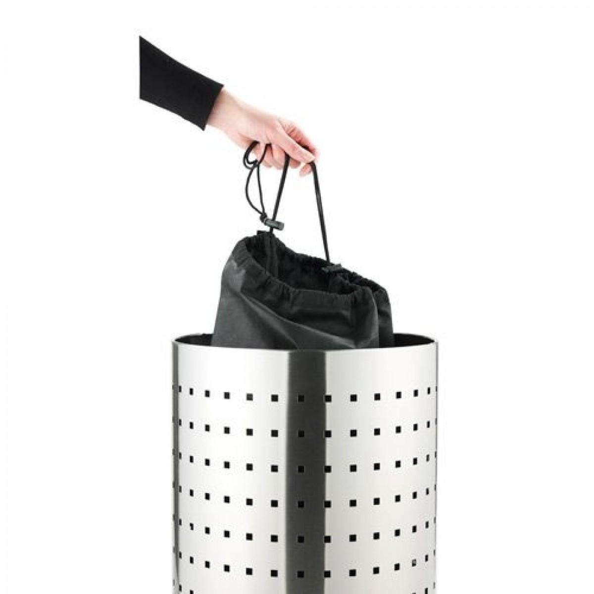 LEIFHEITVasketjspose-01